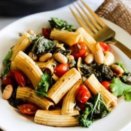 One Pan Tomato and Kale Pasta (vegan and gluten-free)
