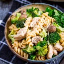 one-pot-chicken-and-broccoli-pasta-1775316.jpg