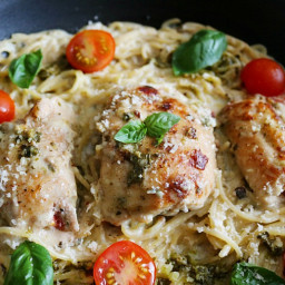 One Pot Pasta- Caprese Chicken & Creamy Pesto Parmesan Spaghetti