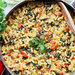 One Pot Spinach and Feta Macaroni and Cheese