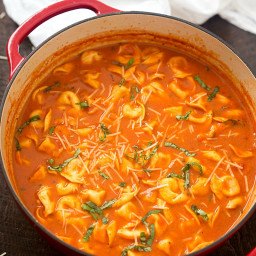 One-Pot Tomato and Basil Tortellini Soup