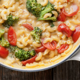One Pot Vegetable Macaroni and Cheese
