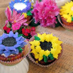 Oreo Cookie Flower Cupcakes