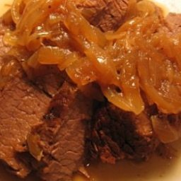 oven-braised-brisket-and-onions-4.jpg