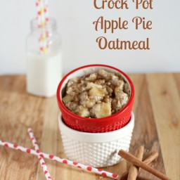 {Overnight} Crock Pot Apple Pie Oatmeal