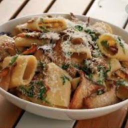 Paccheri with Mushrooms and Pistachios