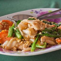 Pad See Ew - Thai Wide Rice Noodle Stir Fry {Gluten-Free, Vegan}