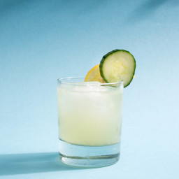 pamplemousse-cooler-vodka-cucumber-cocktail-with-grapefruit-lacroix-r...-1687029.jpg