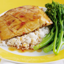 Pan-fried fish with Thai sauce