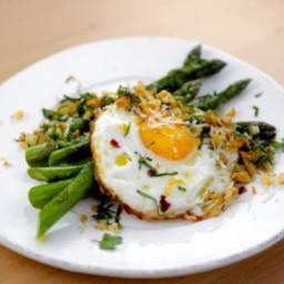Pan-Roasted Asparagus with a Crispy Fried Egg