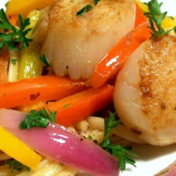 Pan-Seared Scallops with Pepper and Onions in Anchovy Oil Recipe