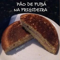 Pão de Fubá na Frigideira