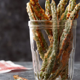 Parmesan-Pepper Green Bean Fries