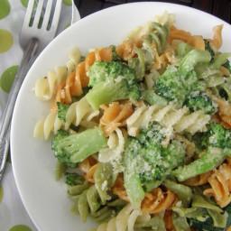 Pasta (fusilli o tornillo) con brócoli y queso