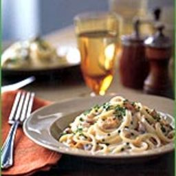 Pasta with creamy gorgonzola sauce