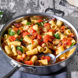 Pasta With Prosciutto and Whole Garlic