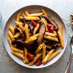 Pasta With Slow-Cooked Portobello Mushrooms