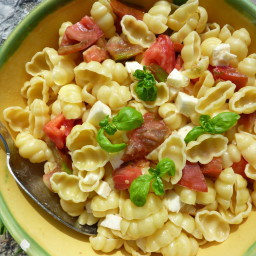 Pasta with tomato mozzarella and basil