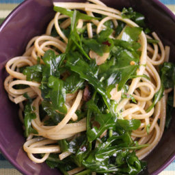 Pasta With Anchovies and Arugula