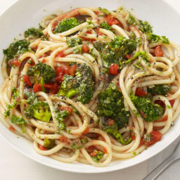 Pasta With Roasted Broccoli and Almond-Tomato Sauce