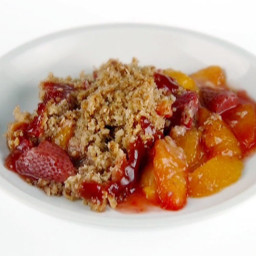 Peach and Strawberry Crumble