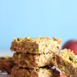 peach-pistachio-granola-bars-2274856.jpg
