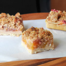 Peach Slab Pie with Streusel Crumble