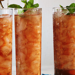 Peach Sweet Tea With Bourbon