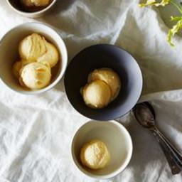 Peaches And Sour Cream Ice Cream