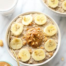 peanut-butter-banana-overnight-oats-1593648.png