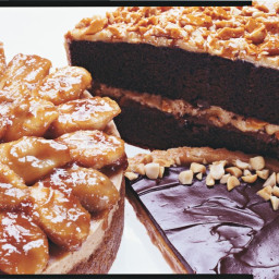 Peanut Butter Cheesecake with Caramelized Banana Topping
