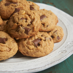 Peanut Butter Chocolate Chip Crunch Cookies