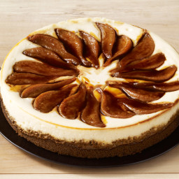 Pear-Gingersnap Cheesecake