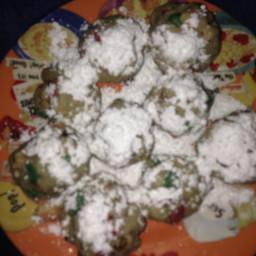 pecan-balls-christmas-cookies-5.jpg
