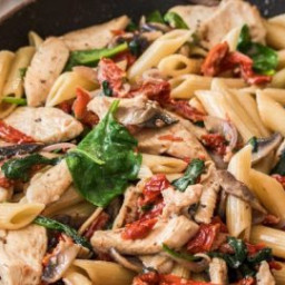Penne with Chicken and Sundried Tomatoes