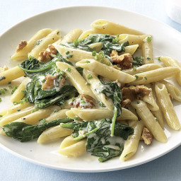 Penne with Spinach, Gorgonzola, and Walnuts