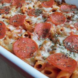 pepperoni-pizza-pasta-bake-e90deb.jpg