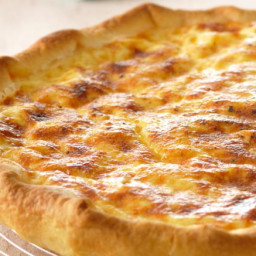 Perfect Brunch Bacon and Cheddar Quiche with Homemade Crust