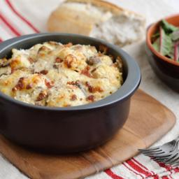 perfect-cauliflower-cheese-with-bacon-and-mushrooms-1314842.jpg