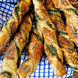 Pesto Black Pepper Pancetta Breadsticks