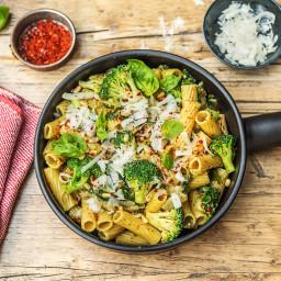 Pesto Parm Rigatoni with Broccoli and Spinach