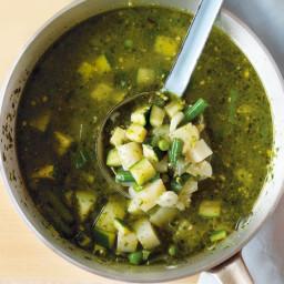 Pesto soup with zucchini and potato (gluten-free)