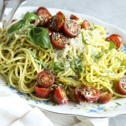pesto-spaghetti-with-summer-squash-1701860.jpg