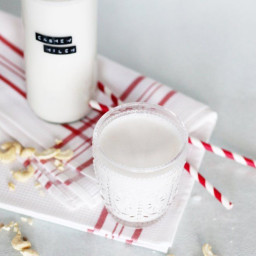 Pflanzliche Milch selber machen: Cashew and Mandelmilch