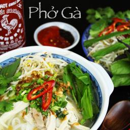 Phở Gà (Vietnamese Chicken Noodles Soup)
