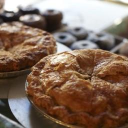 Pies 'n' Thighs Apple Pie