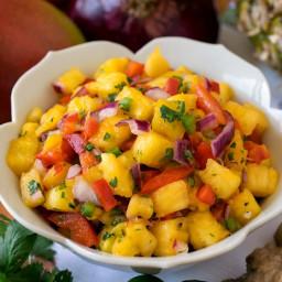 pineapple-mango-salsa-2663064.jpg