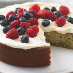 Pistachio and yogurt cake