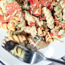 pizza-pasta-salad-21314c.jpg