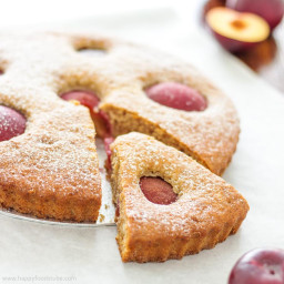 Plum Tart with Ricotta Cheese and Greek Yogurt